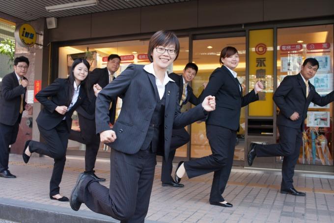 陳姵君店長鼓勵團隊夥伴善用永慶房屋「彈性工作 8 小時」制度,發展自我興趣,積極圓人生夢。