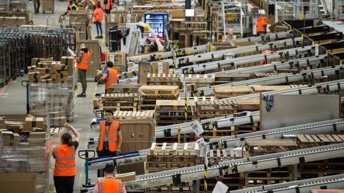 亞馬遜的物流倉庫欠缺冷鏈系統 (圖:AFP)