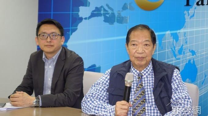 華韡董事長郭人武(右)及總經理陳聖中。(鉅亨網記者張欽發攝)
