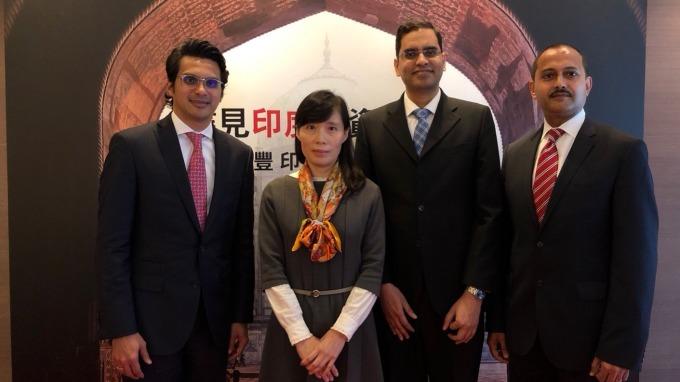 圖左為滙豐環球投資管理(香港)印度股票投資總監Nilang Mehta。(鉅亨網記者許雅綿攝)