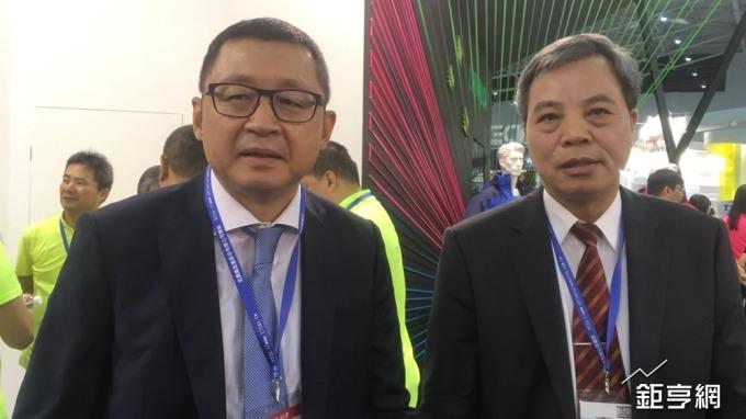 力麗董事長郭紹儀(左)。(鉅亨網記者李宜儒攝)
