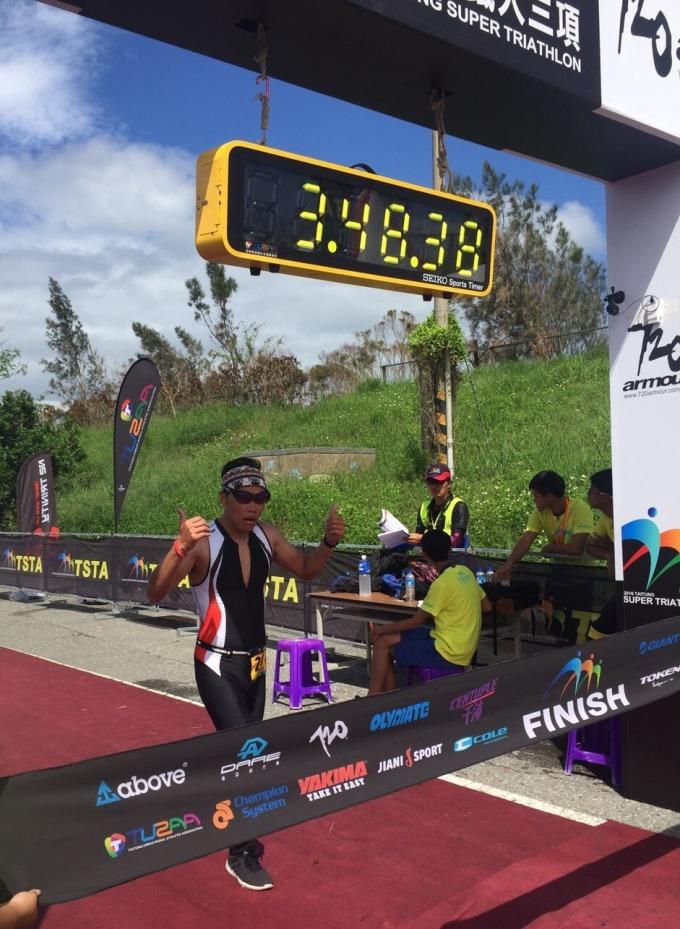 永慶房屋「彈性工作8小時」制度,讓永慶房屋李俊龍,成功挑戰三鐵及半日內騎自行車到台中的紀錄。