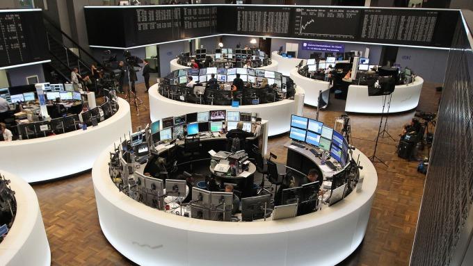 圖:AFP  歐洲股市週一微幅收低