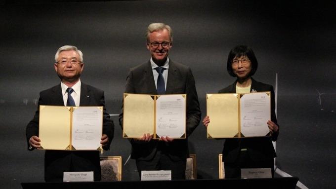 東元董事長邱純枝(右)與MVOW簽合作備忘錄。(圖:東元提供)