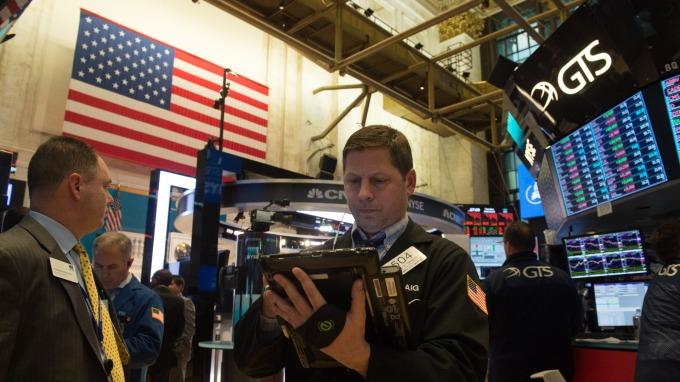 部分投資人憂心,美債殖利率走揚,恐對美股造成負面影響。(圖:AFP)