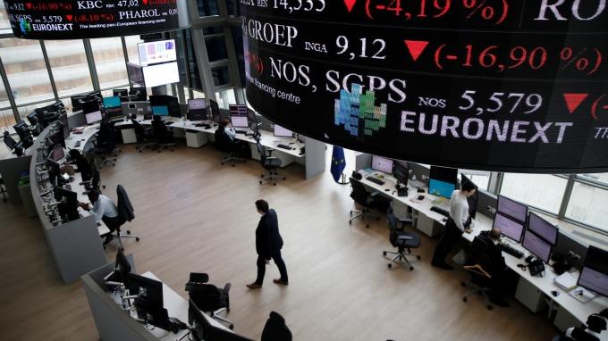 週三歐股盤前交易中,指數期貨走跌。(圖:AFP)