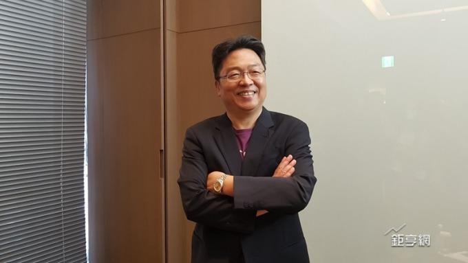 台灣之星總經理賴弦五宣布4月EBITDA轉正。(鉅亨網記者楊伶雯攝)