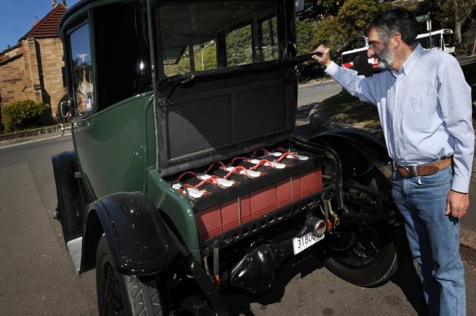 電動車的盛行帶動電池產業對特有金屬的需求      (圖:AFP)