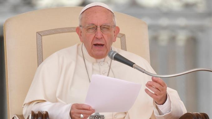 教宗方濟各警告衍生性投資商品是倒數計時的炸彈。(圖:AFP)