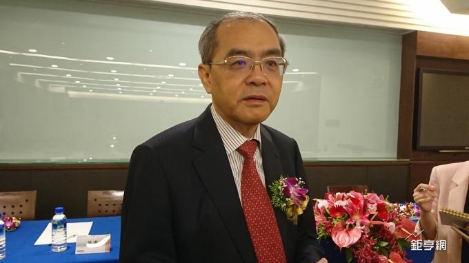 研華董事長劉克振表示,尋求中小型 SI 打造共創模式,以 NRE 方式合作,成功後才考慮投資股權問題。(鉅亨網黃雅娟攝)