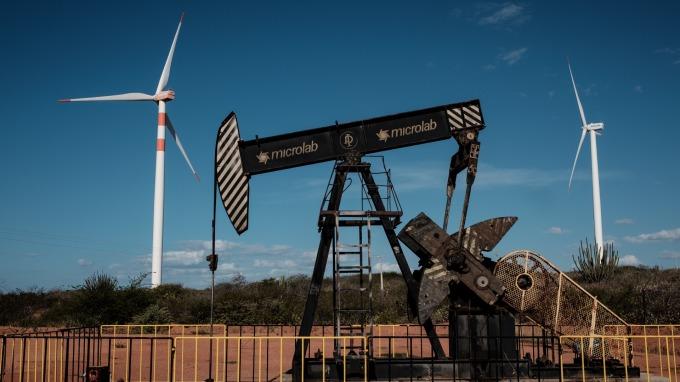 國際原油價格走跌。(圖:AFP)