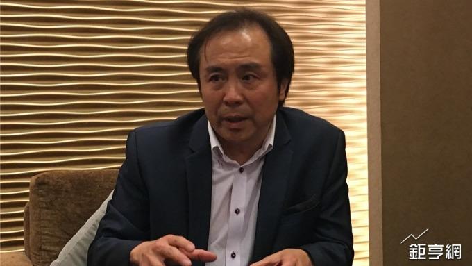 王品董事長陳正輝說明未來集團發展方向。(鉅亨網記者王莞甯攝)