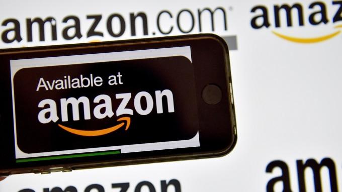 亞馬遜(Amazon)、蘋果(Apple)、Facebook以及微軟(Microsoft)的市值達到了驚人水平。(圖:AFP)