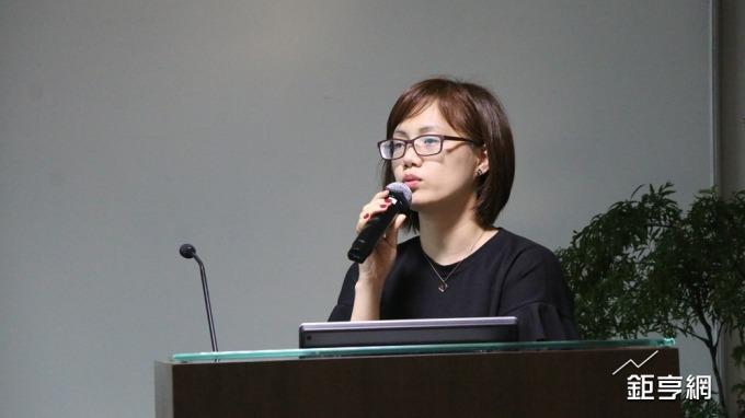 麗豐-KY發言人胡安榕。(鉅亨網記者李宜儒攝)