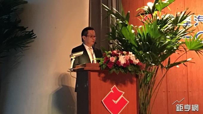 〈裕隆股東會〉嚴凱泰首次同時缺席3家 陳國榮證實是腳傷