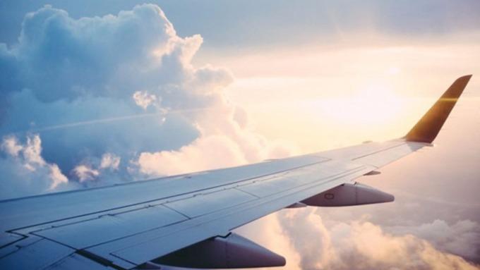 看準台人旅遊高消費 銀行搶推航空卡 5張信用卡優惠比一比