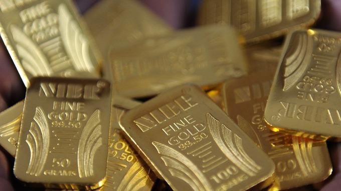 圖:AFP  黃金週一收高