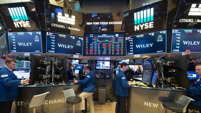 投資專家認為,美股恐迎來大幅修正。(圖:AFP)