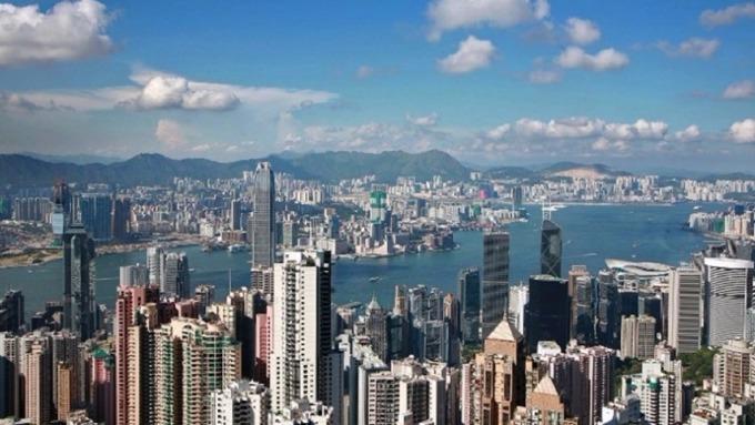 香港政府研擬空置稅以抑制房價。(圖:AFP)