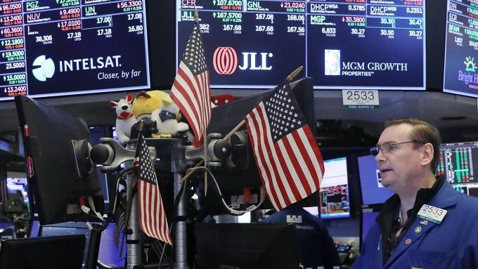 圖:AFP  美國股市週二中場上漲