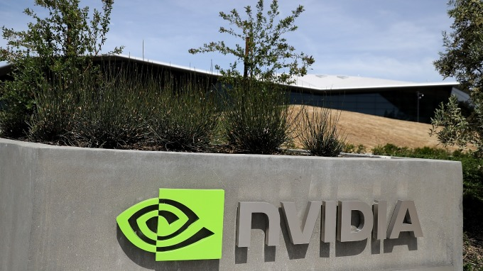 輝達聯手博世和戴姆勒共同開發無人駕駛汽車。(圖:AFP)