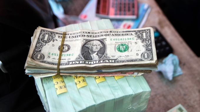 圖:AFP  全球債務再創新高
