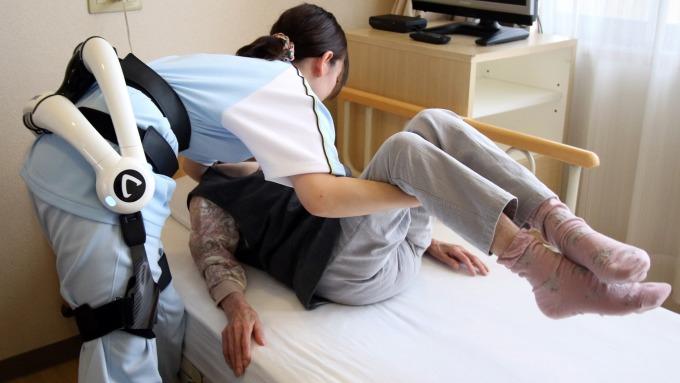開發外骨骼機器人套件 HAL 為 Cyberdyne 開發的醫療照護產品。(圖:AFP)