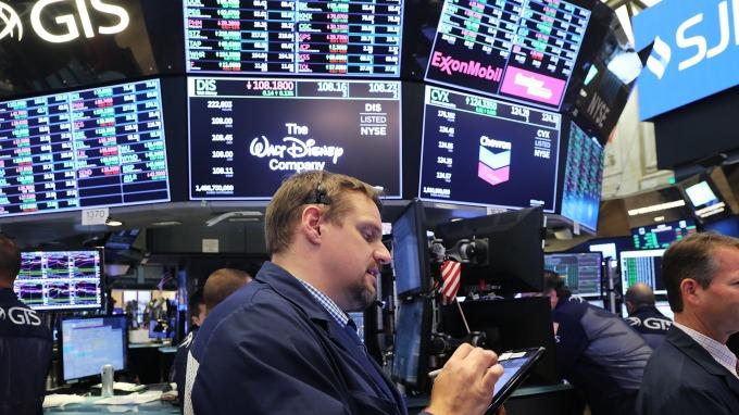 12 日美國三大類股全面收漲。(圖:AFP)