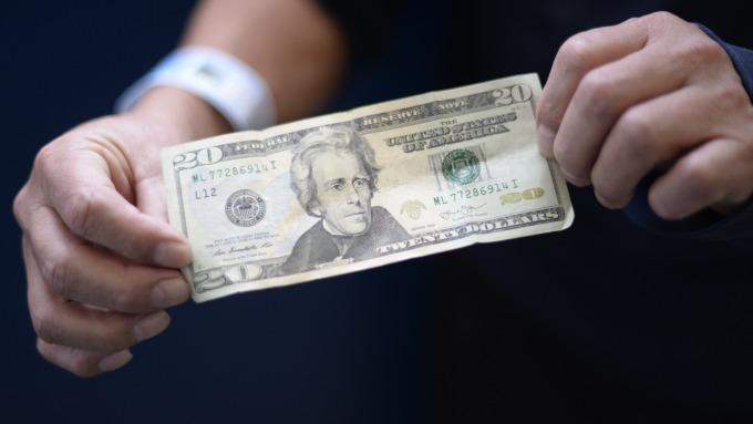 部分美國上市企業業績已因美元走強受到影響。(圖:AFP)