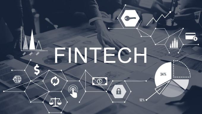拚FinTech搶客群,金融業員工走年輕化趨勢。(圖:shutterstock)