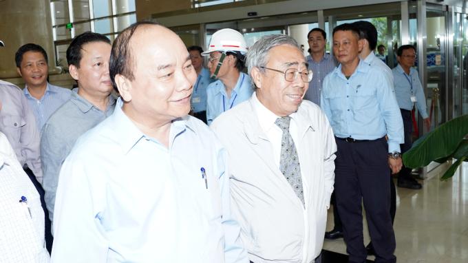 前左為越南總理阮春福、右為台塑集團總裁王文淵。(圖:台塑企業提供)