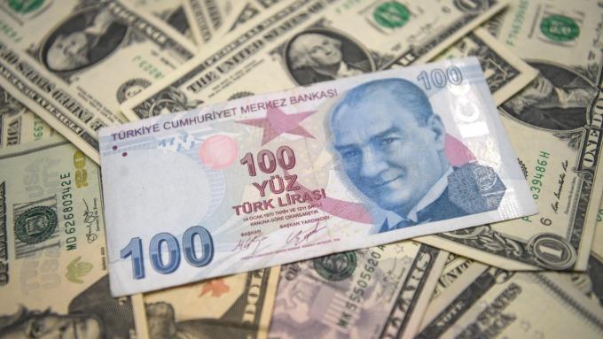 分析師:土耳其里拉是掉下來的刀子 千萬別接      (圖:AFP)