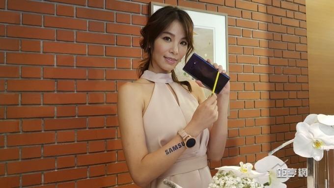 三星Note 9正式亮相台灣列首波開賣。(鉅亨網記者楊伶雯攝)