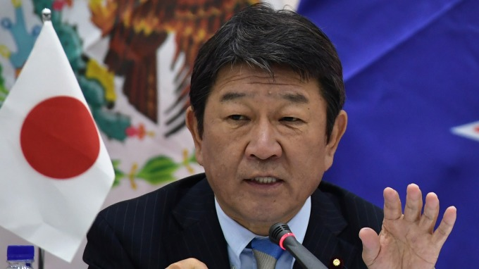 日本經濟產業大臣茂木敏充(Toshimitsu Motegi) (圖:AFP)