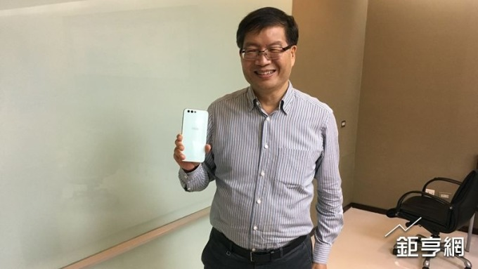 〈華碩法說〉手機事業目標Q4達損平水位 明年手貨估增2位數