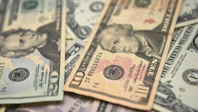 圖:AFP  美元週五上漲至14個月高點