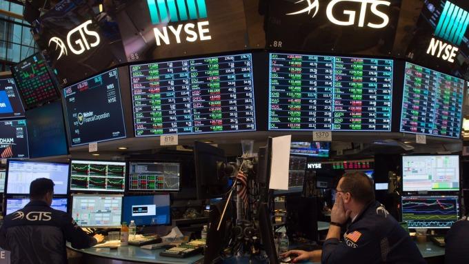 圖:AFP 里拉反彈 美國股市週二收高