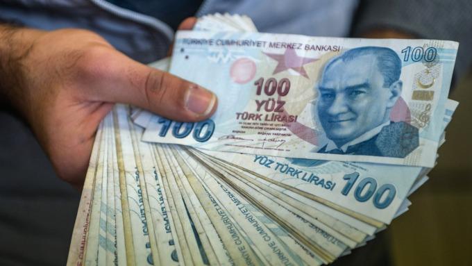 土耳其里拉到周四美股早盤時連漲了三天。(圖:AFP)