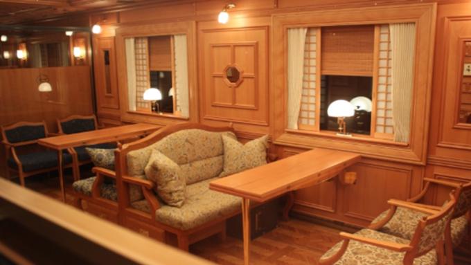 全日本第一輛頂級列車「九州七星」,開啟日本奢華鐵道旅行世代。(圖:鴻鵠逸遊提供)
