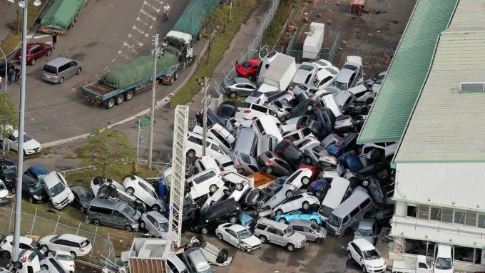 颱風「燕子」造成嚴重損傷 (圖:AFP)