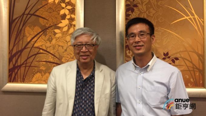 國光生總經理留忠正(左)。(鉅亨網資料照)