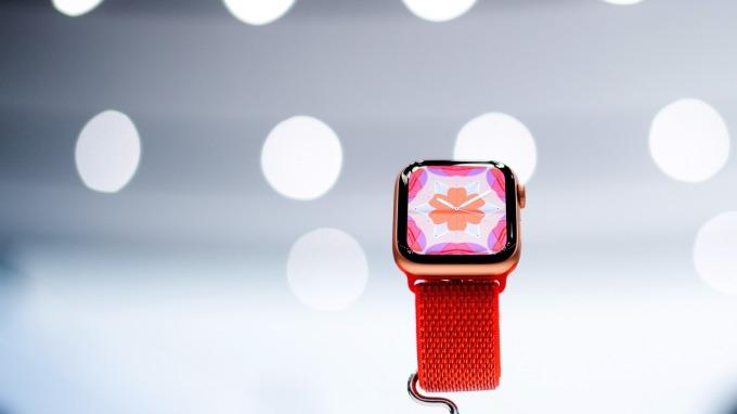 蘋果發表的新Apple Watch 4(圖:AFP)