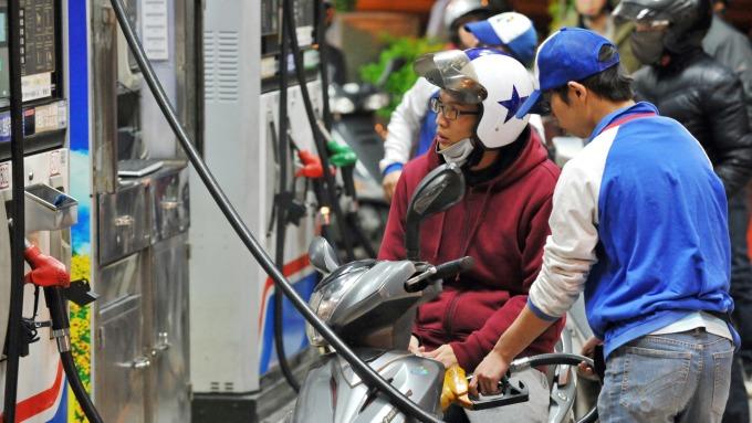 中油:汽、柴油本週價格均不調整(圖:AFP)