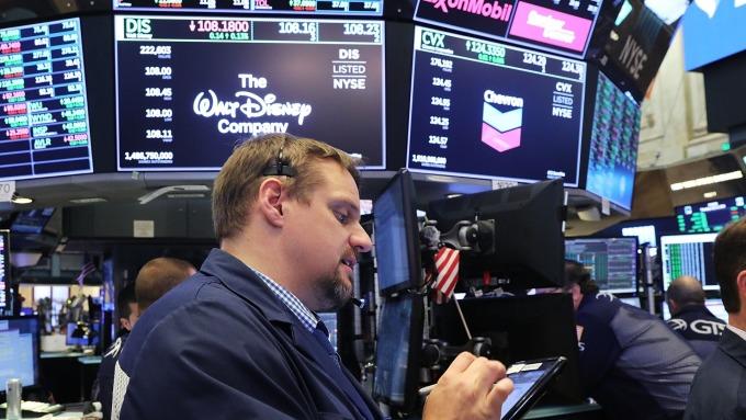 圖:AFP  美國股市週一中場下跌