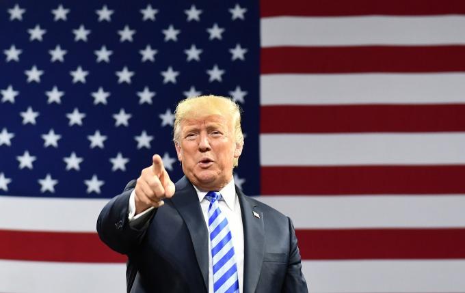 為了「削減貿易逆差」,美國總統川普大打貿易戰。(圖:afp)