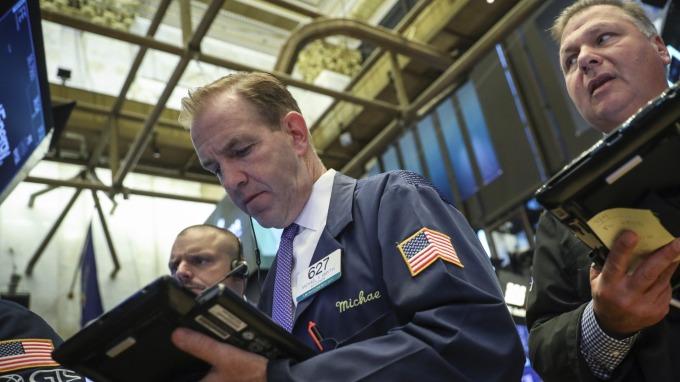 圖:AFP  美國股市週五大幅下跌