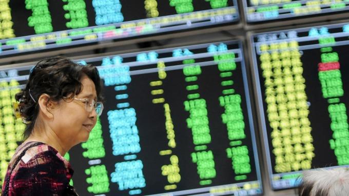 前陣子加碼A股外資昨日賣股走人(圖:AFP)
