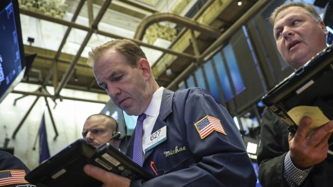 圖:AFP  美國股市週三中場大幅下跌