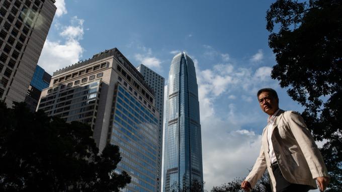 近期香港房價已出現走低跡象。(圖:AFP)