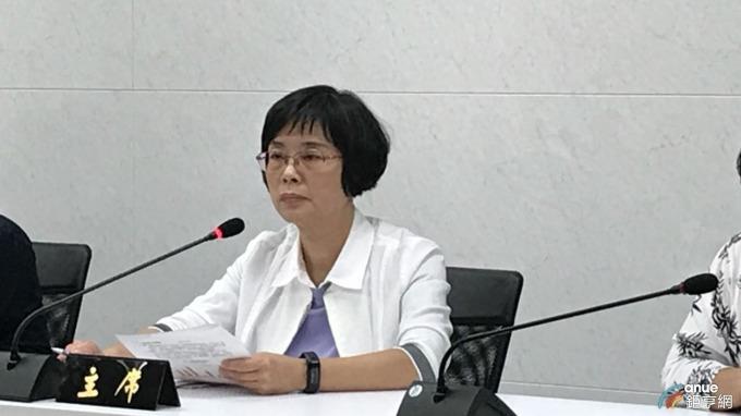 財政部統計處副處長陳玉豐公布9月賦稅收入概況。(鉅亨網記者郭幸宜攝)